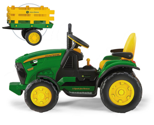 John Deere Ground Force s přívěsem